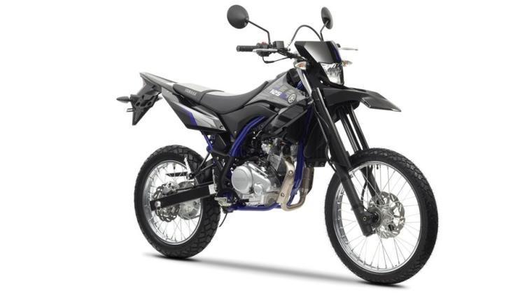 2014-Yamaha-WR125R-EU-Yamaha-Black-Studio-001