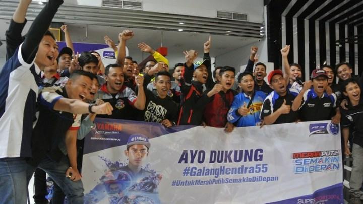 Nonton Bareng WorldSSP300: Lihat Aksi Galang Hendra, Komunitas Motor Yamaha Rela Berdesak-Desakan