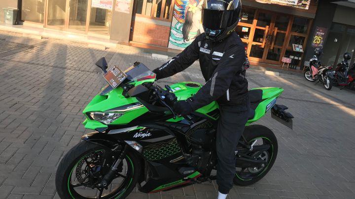 Review Kawasaki Ninja ZX-25R: 250cc Rasa Moge, Enak Dipakai, Didengar & Dilihat!