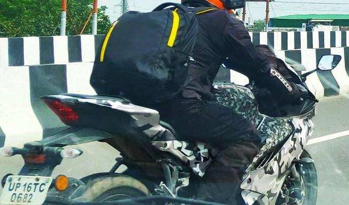 Motor Sport Yamaha Tertangkap Kamera Sedang Tes di India, R15 Atau R25?