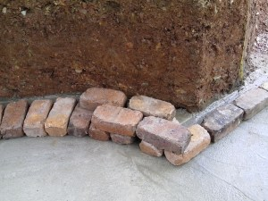Double layer of bricks, how they need to be laid.