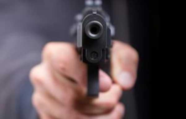 Recife: Desconhecidos matam homem em lanchonete no bairro de Jiquiá