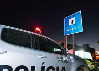 Mulher agride policiais em Gravatá e acaba sendo presa durante a madrugada