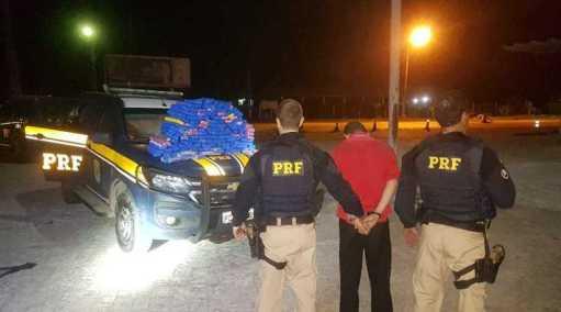 PRF apreende em Gravatá carro com 116 quilos de maconha
