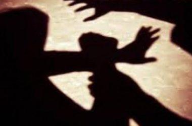 Filha presa após chegar em casa manifestada e agredir a própria mãe