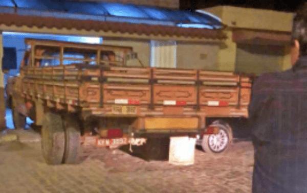 Caminhão desgovernado invade casa de vereador no interior de Pernambuco