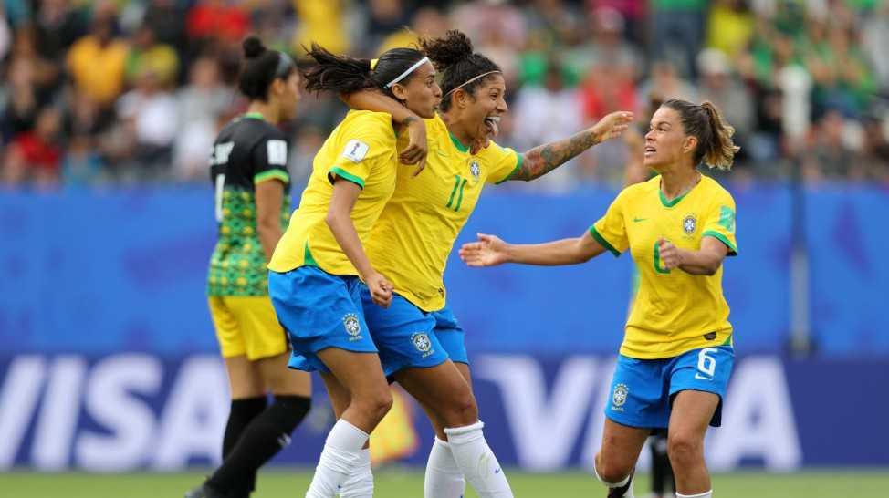 Seleção feminina estreia com vitória sobre a Jamaica na Copa do Mundo