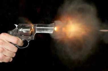 Dois jovens assassinados a bala na cidade de Moreno; vítimas morreram no mesmo bar
