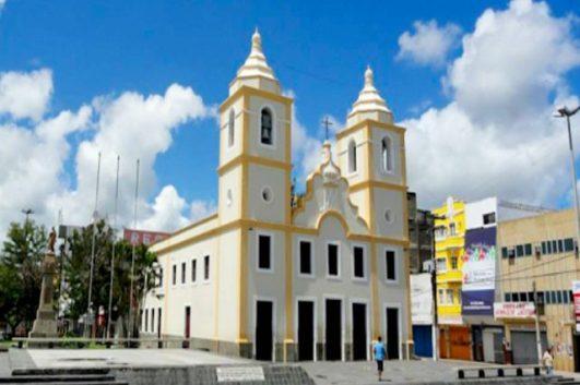 Tradicional igreja de Caruaru é arrombada durante a madrugada