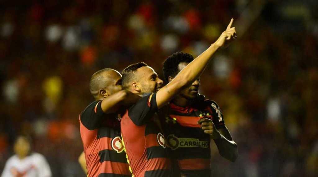 Em noite inspirada de Guilherme, Sport vence o Vitória e volta para o g-4