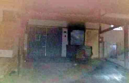 GRAVATÁ: Casa pega fogo com família dentro no bairro Novo; vizinhos prestam socorro