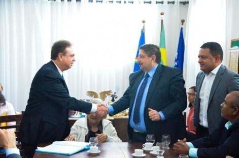 Prefeitura doa terreno para construção de prédio do Tribunal Regional Eleitoral em Gravatá Pernambuco Notícias