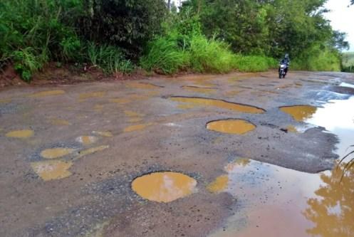 Veja a situação da Rodovia PE-85 que liga Cortês a Barra de Guabiraba