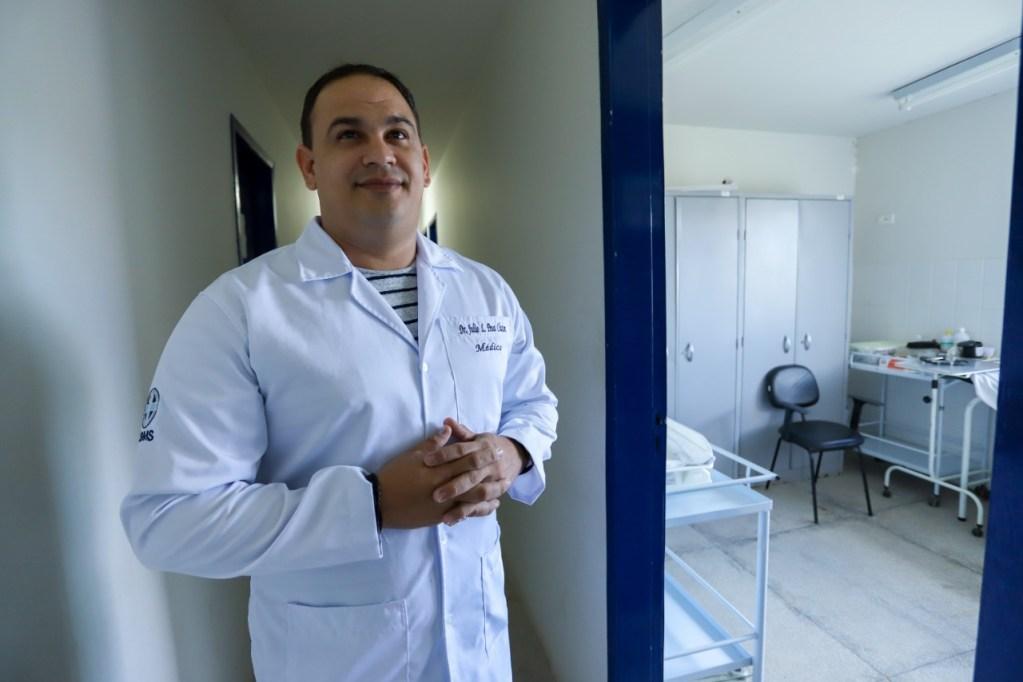 Após cobrança no site, prefeitura de Gravatá apresenta novo médico do PSF Maria Auxiliadora