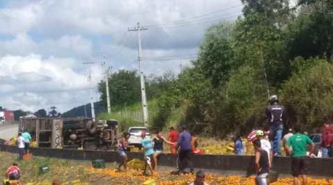 Acidente grave registrado no sentido Recife da Rodovia BR-232