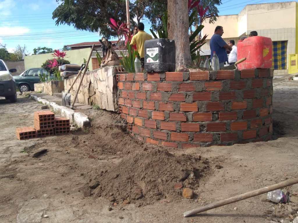 Secretaria de Infraestrutura inicia reforma na praça da travessa Vera Cruz nesta quarta (31)