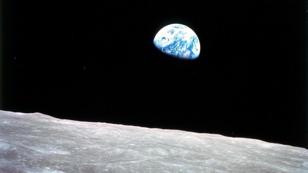 Há 50 anos, o homem pisava na lua pela primeira vez