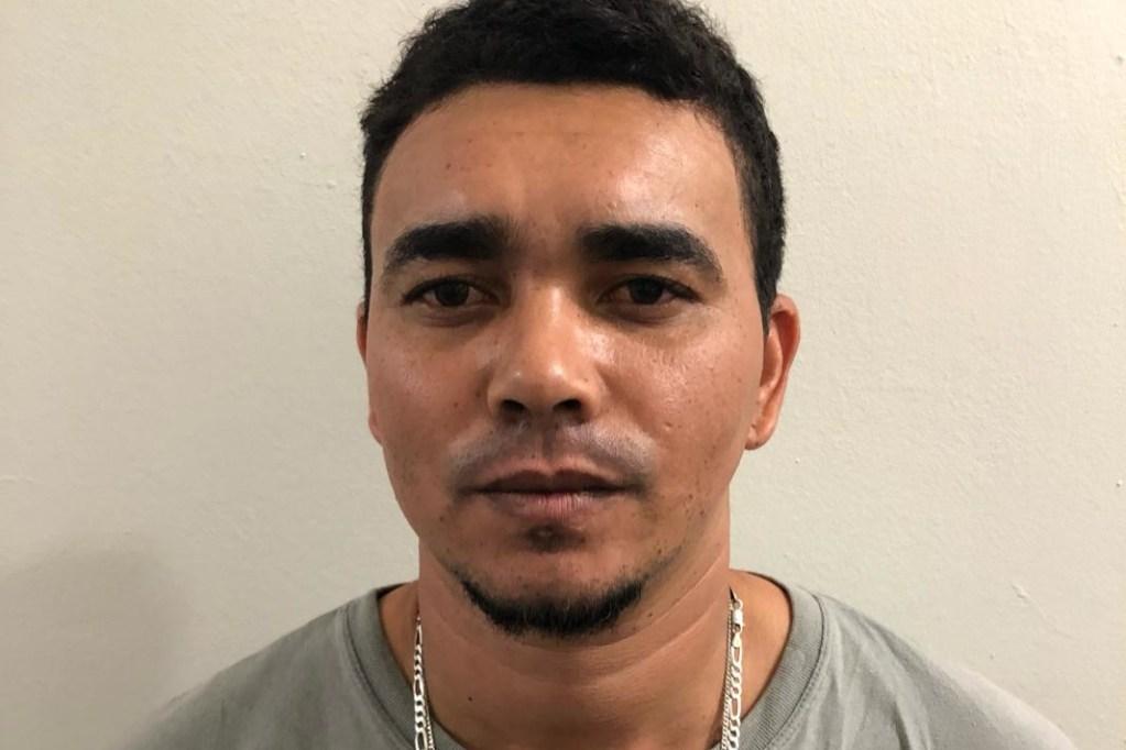 Gravatá: Polícia Civil prende homem com armas de fogo; ele já foi preso outras três vezes