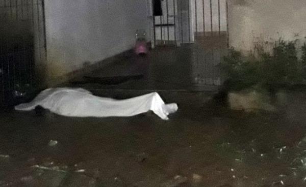 Rapaz leva saraivada de tiros e morre no bairro Carneiro Leão em Carpina