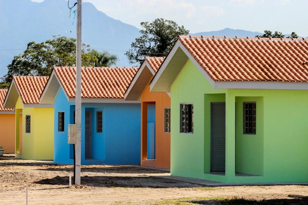 """Famílias de baixa renda não precisam mais de """"habite-se""""; nova Lei foi publicada"""