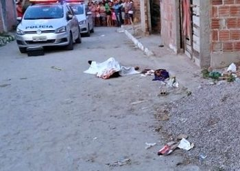 Motoqueiros matam jovem com vários tiros em Jucati (PE)