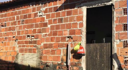 Mulher morre queimada dentro de casa em Cabo de Santo Agostinho; ex-marido é o suspeito