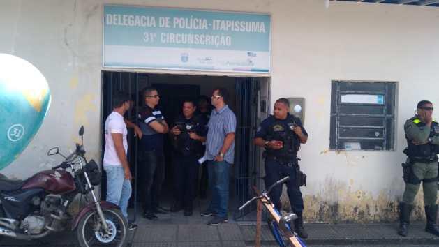 Guardas Municipais são detidos por porte ilegal de arma; categoria repudia