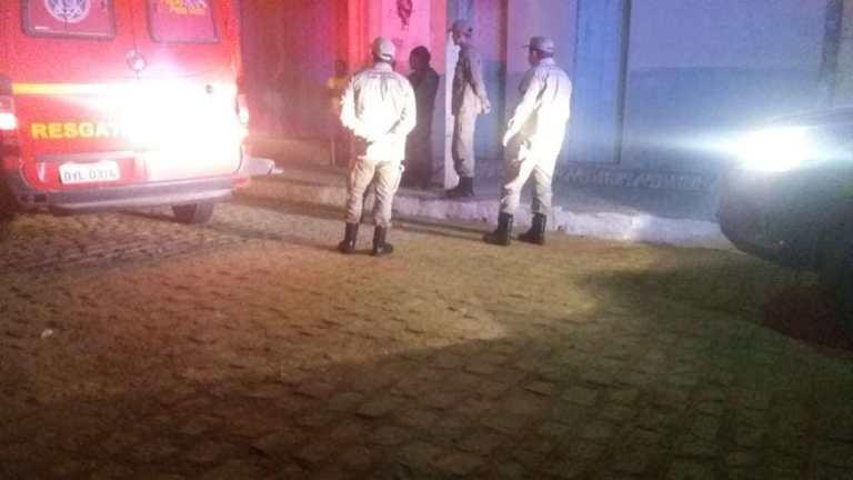 Homem assassinado a facadas em Serra Talhada; crime aconteceu em distrito da cidade