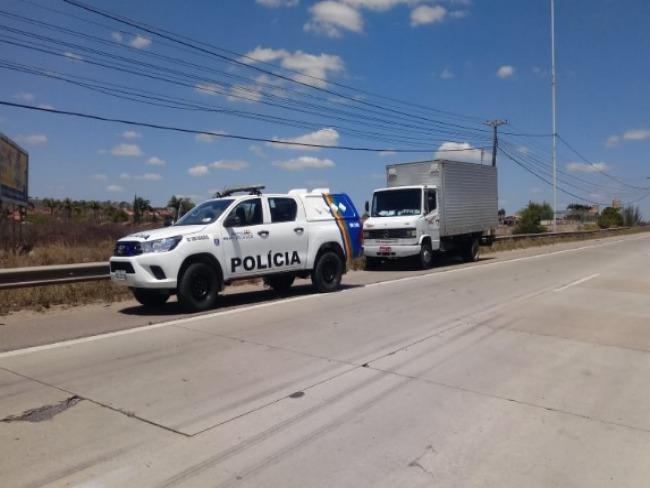 Gravatá: Polícia Civil recupera caminhão roubado às margens da BR-232