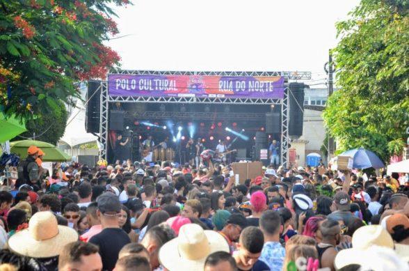 Luan Douglas e Walkíria Mendes levam o público ao delírio em mais um carnaval na Rua do Norte