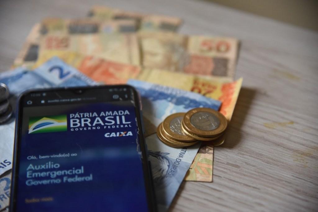 Mais de 104 milhões de brasileiros têm pedido do auxílio emergencial negado