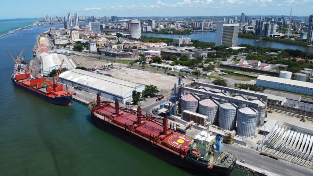 Movimentação no Porto de Recife ainda não registrou queda