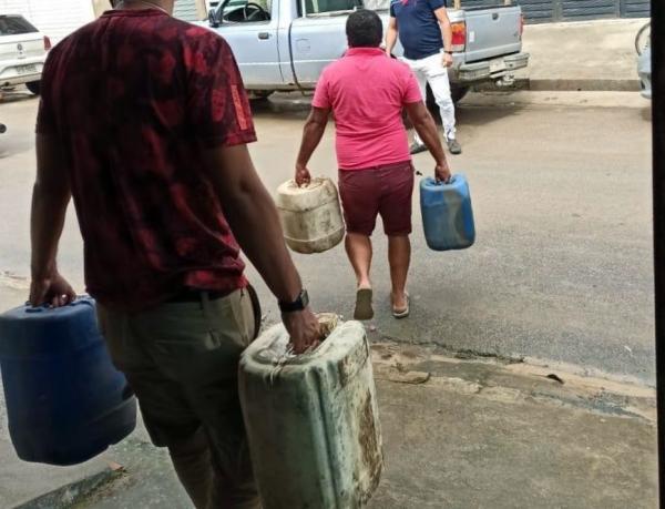 Polícia Civil doa gasolina apreendida em operação para Secretária de Saúde de Barra de Guabiraba