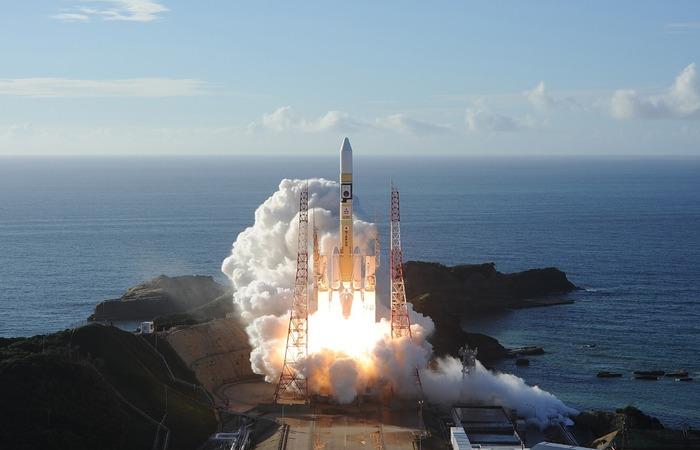 Primeira missão espacial árabe para Marte é lançada do Japão