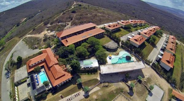 Hotel Monte Castelo abre mais duas vagas de emprego; confira