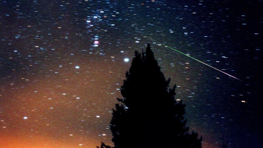 Hoje tem chuva de meteoros da Delta Aquárias; saiba como ver