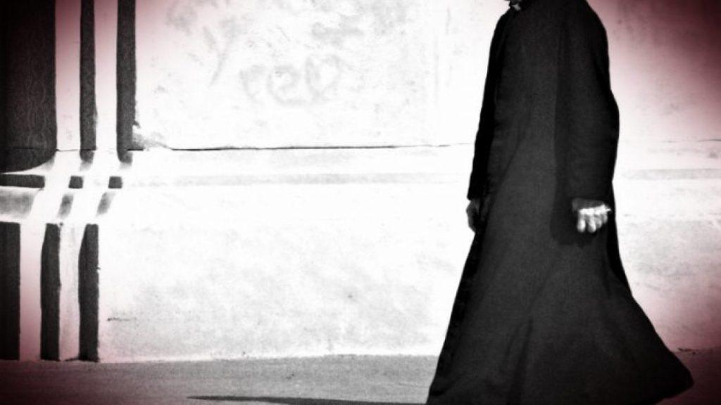 Padre que engana igreja, engana Deus e o povo