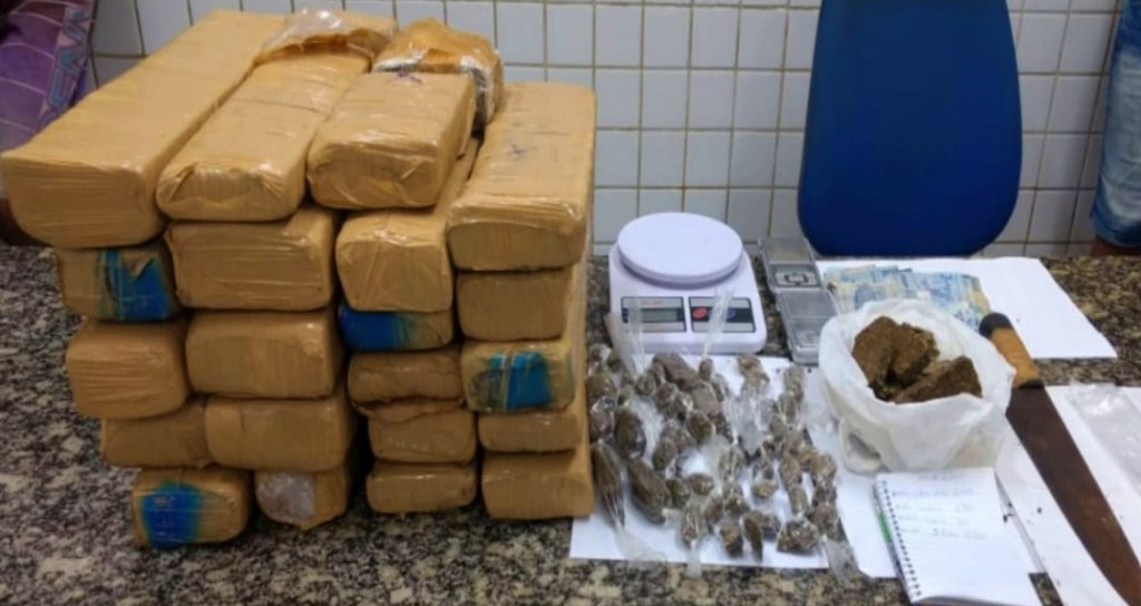 Homem é preso com mais de 20kg de maconha em Olinda
