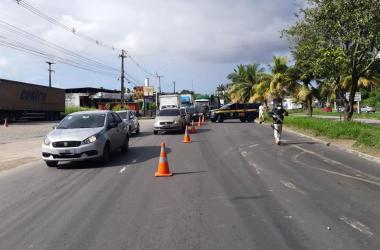 Igarassu: Idosa morre atropelada após tentar atravessar rodovia BR-101