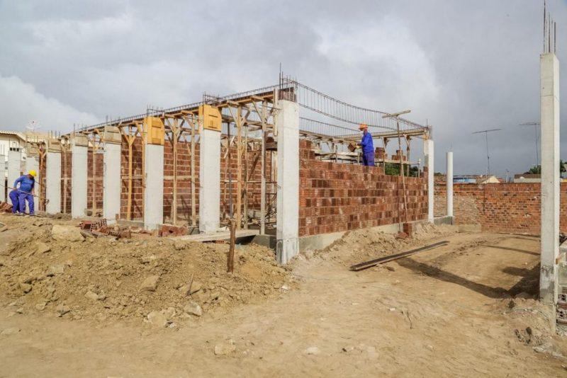 Gravatá: Construções de quadras poliespoetivas seguem em escolas dos distritos