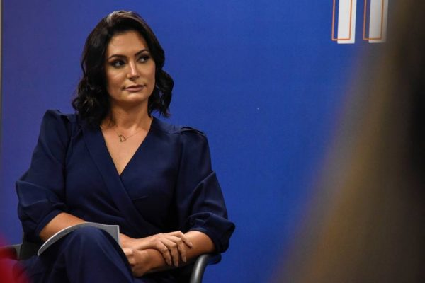Avó materna de Michele Bolsonaro morre com o novo coronavírus