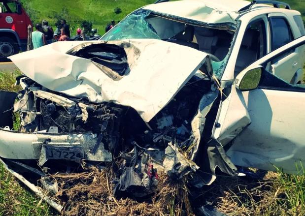 Vereador de Pernambuco bate caminhonete em grupo de 30 motociclistas; três morrem na hora