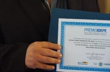 Escola de Quixaba recebeu o Prêmio Idepe por apresentar os melhores resultados do Ensino Fundametal