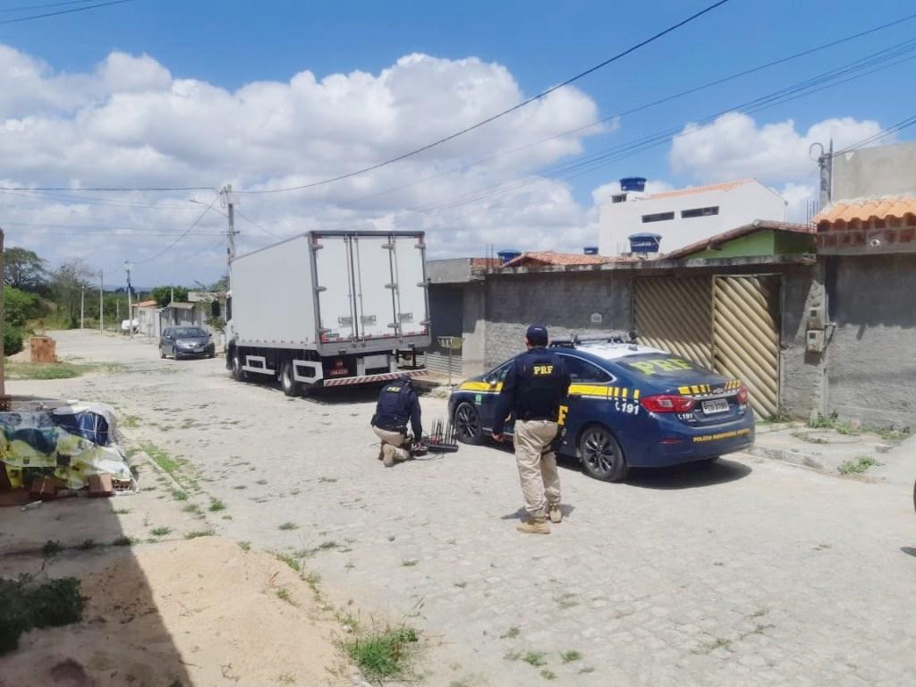 Depósito de alimentos roubados é encontrado pela PRF em Caruaru