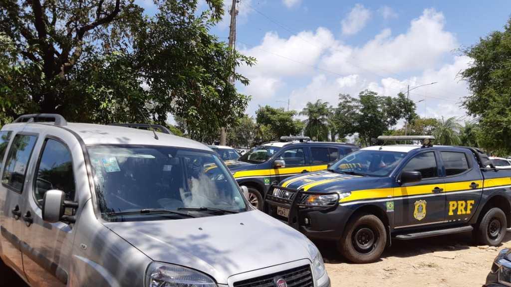 Homem é detido na BR 232, após comprar carro roubado no Recife