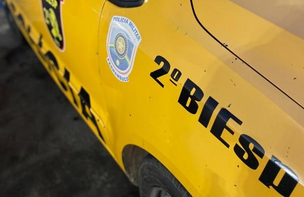 Policiais militares do 2º BIESP prendem suspeito de violência doméstica em Petrolina