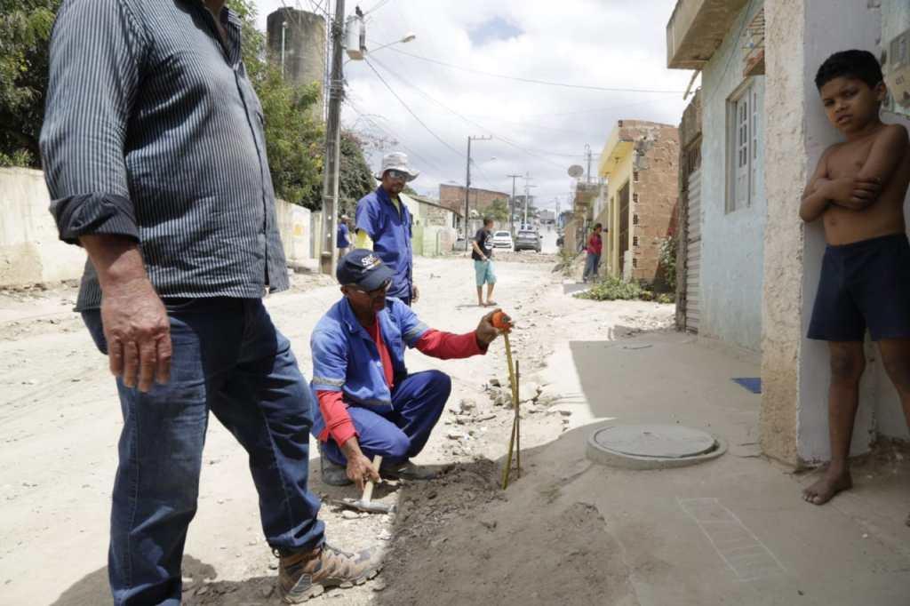 Prefeitura de Gravatá inicia programa de calçamento em bairros da cidade