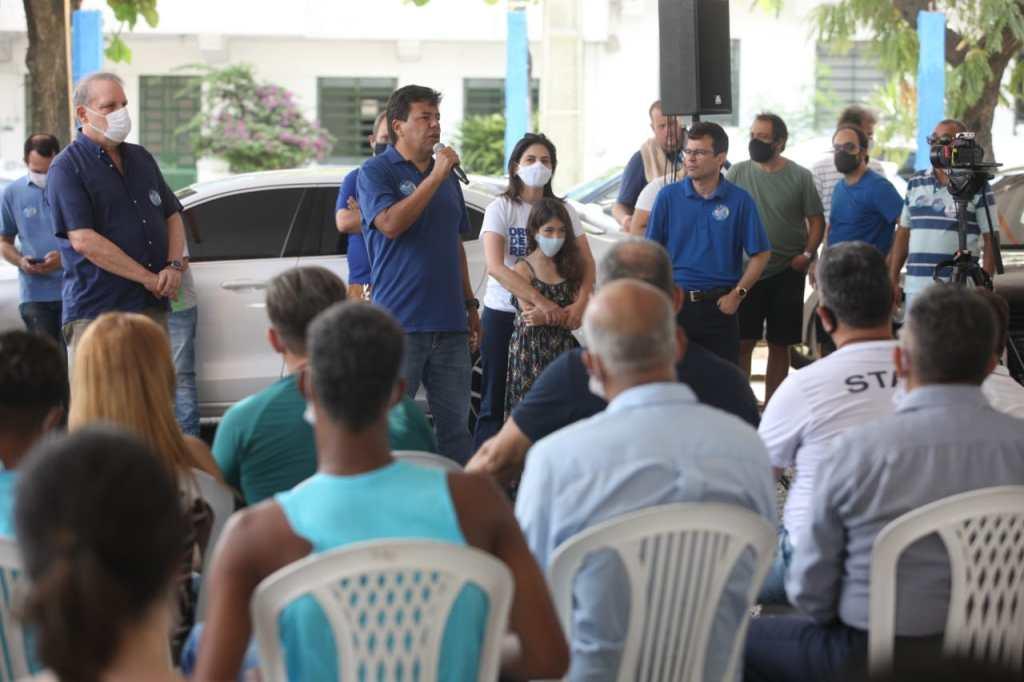 Em ato com Armando e com o pastor Jairinho, Mendonça diz que vai para o segundo turno e mostrará que o Recife não tem cabresto