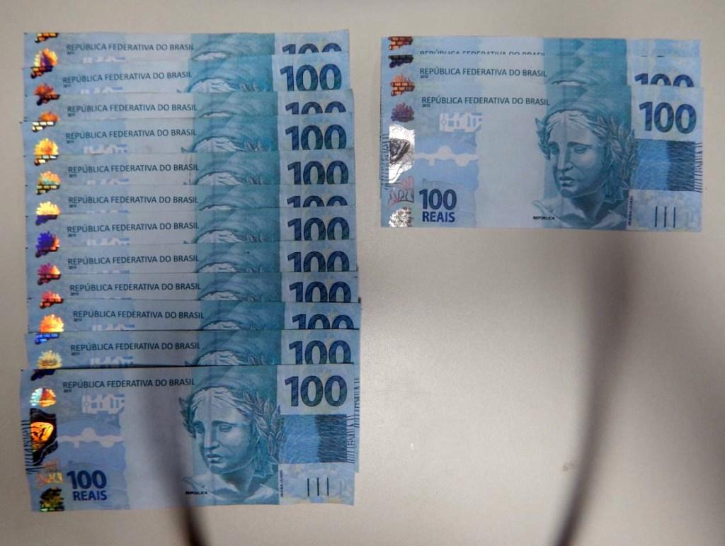 Polícia Federal apreende 3.400 reais em notas falsas e uma detenta fazia parte do esquema