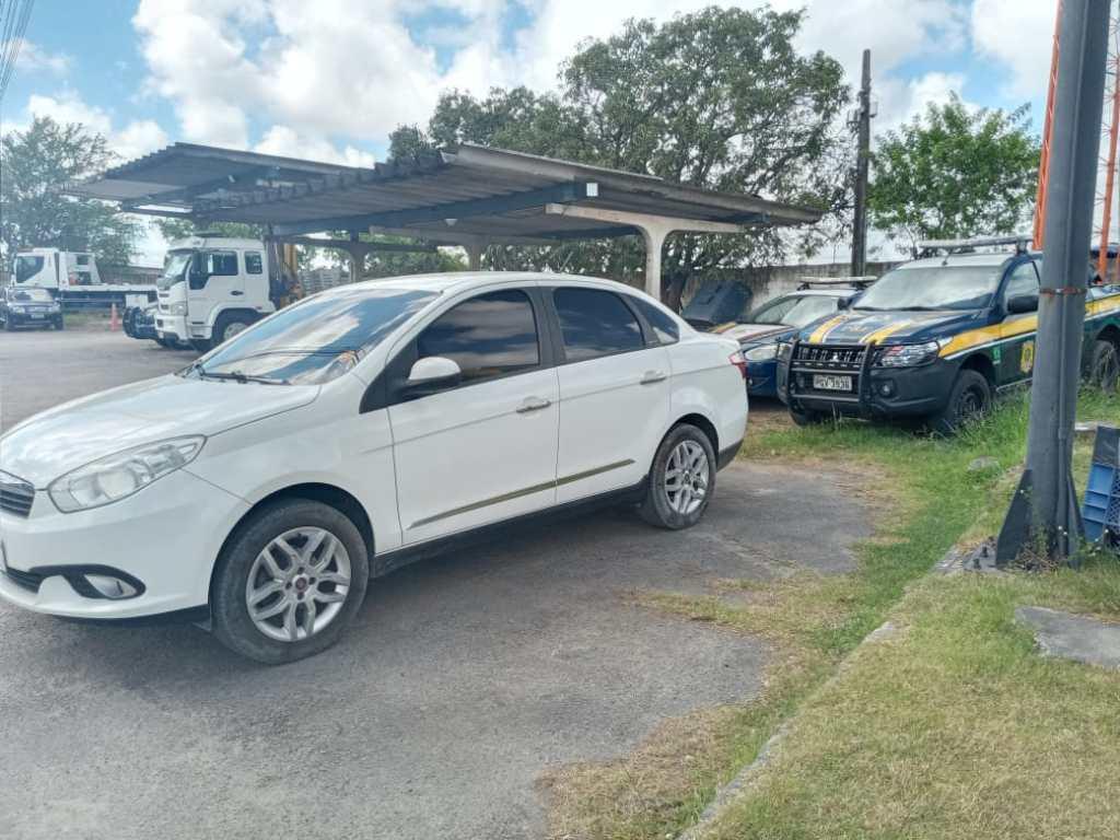 Recife: Motorista inabilitado é detido com carro de concessionária roubado no Curado